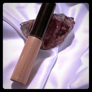 💸BECCA Liquid Shimmering Skin Perfector 💸